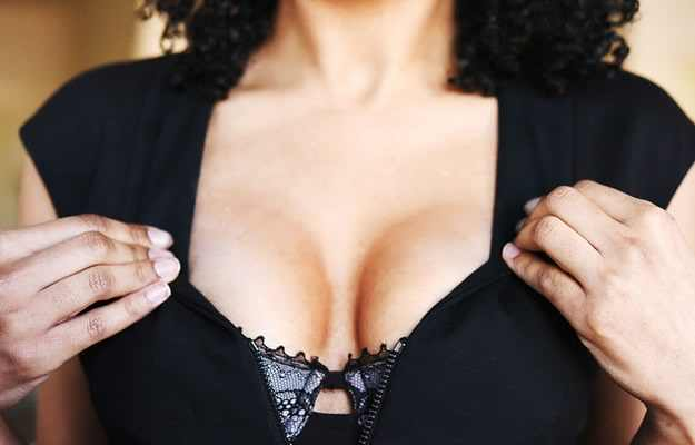 Mitul implanturilor mamare. Proteza mentor sau injectare cu Aquafilling? Afla acum care ti se potriveste!