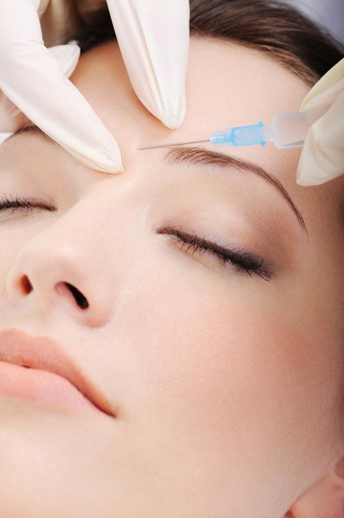 Tratamentul cu botox – intre mit si adevar. Afla acum care sunt cele mai frecvente mituri despre botox!